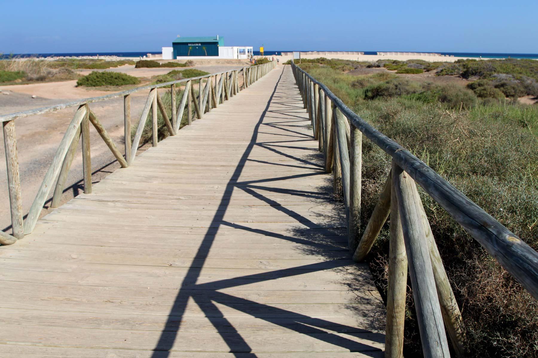 Дорога к пляжу Маторраль (Matorral) на Фуэртевентуре