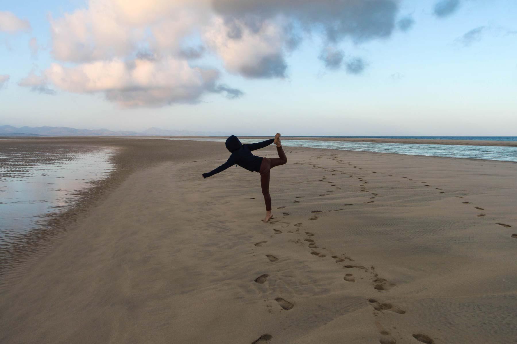Ласточка в моем исполнении на пляже Фуэртевентуры