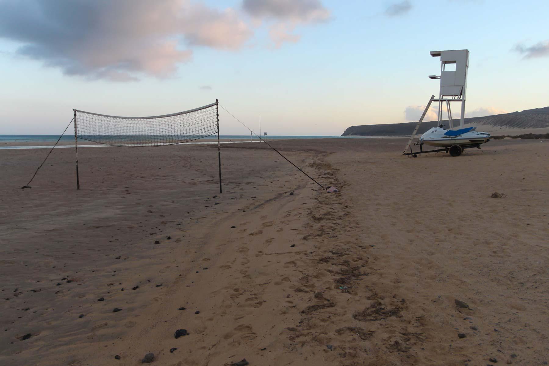 Сетка для пляжного волейбола на Коста Кальма