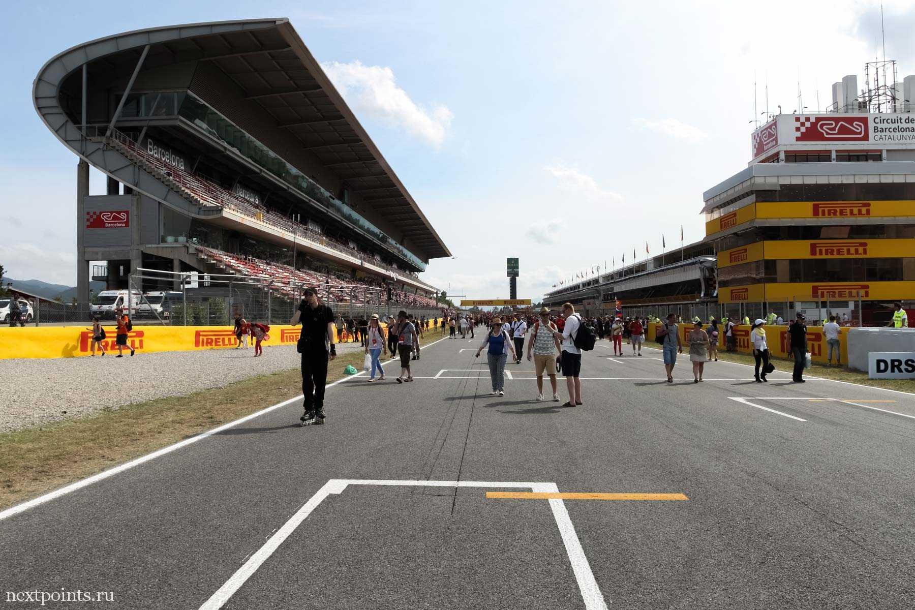 Формула 1 - Circuit de Barcelona-Catalunya, главная трибуна
