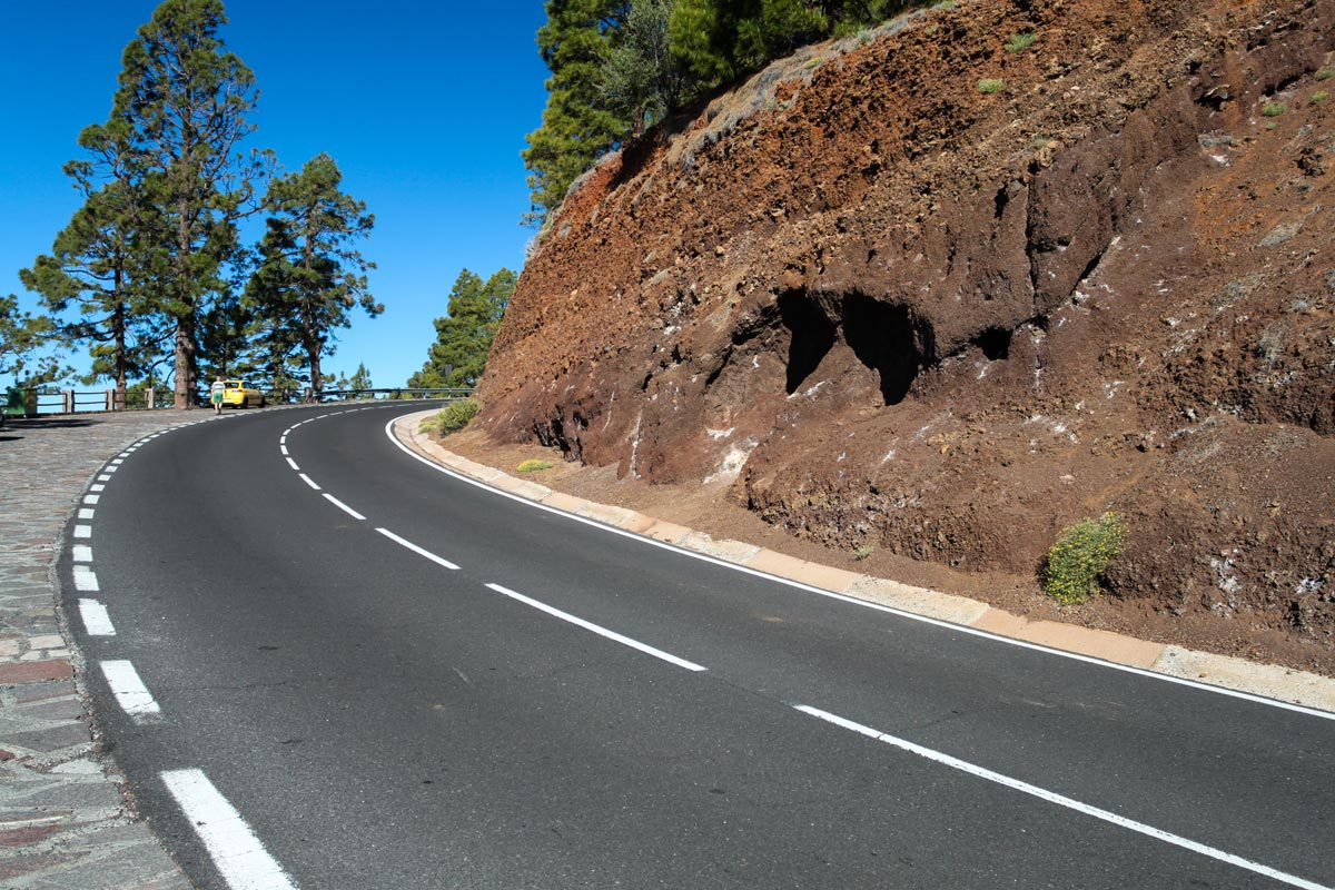 Ровная дорога к вулкану Тейде