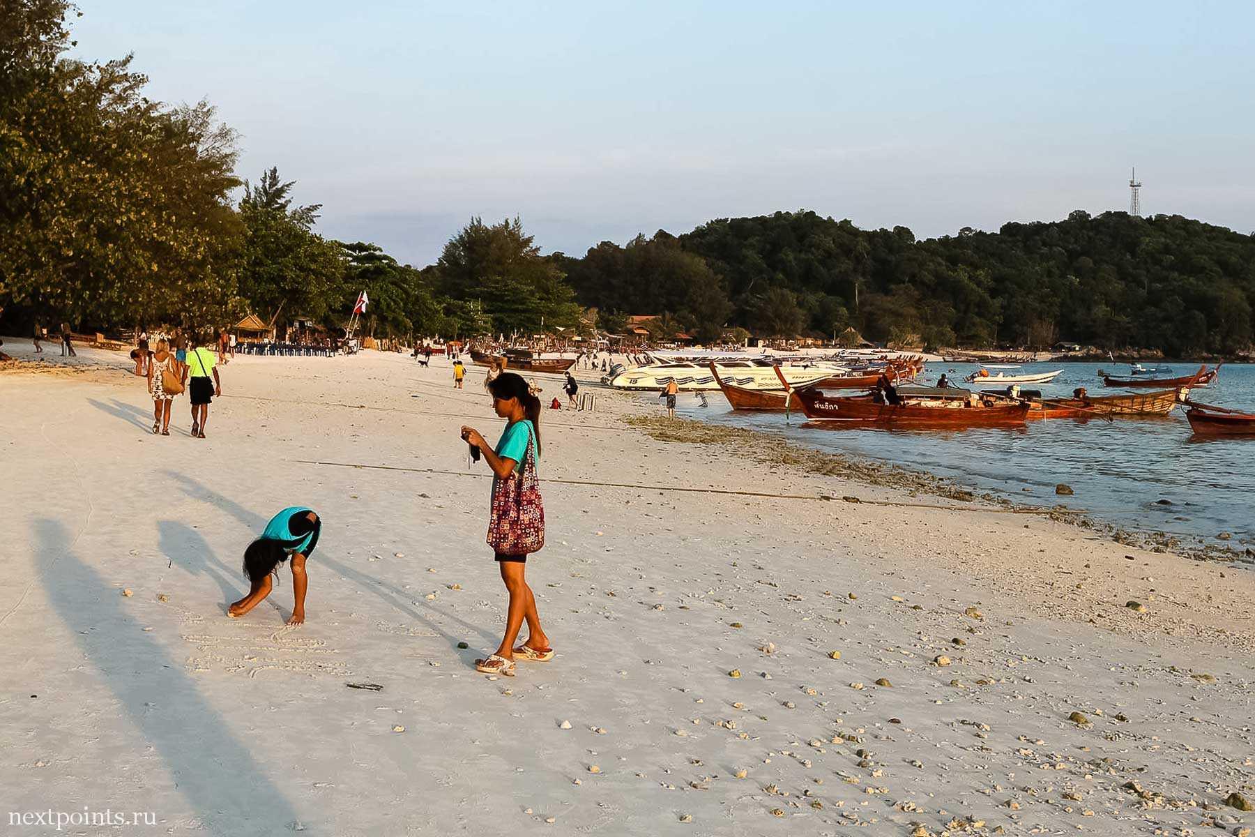 Гуляем по пляжу Паттая по направлению к пляжу Санрайз