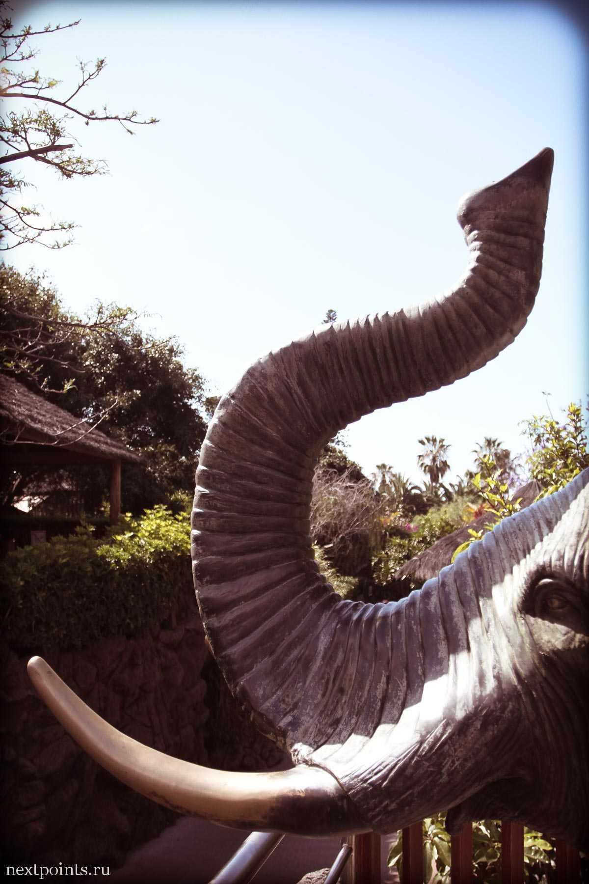 Статуя слона