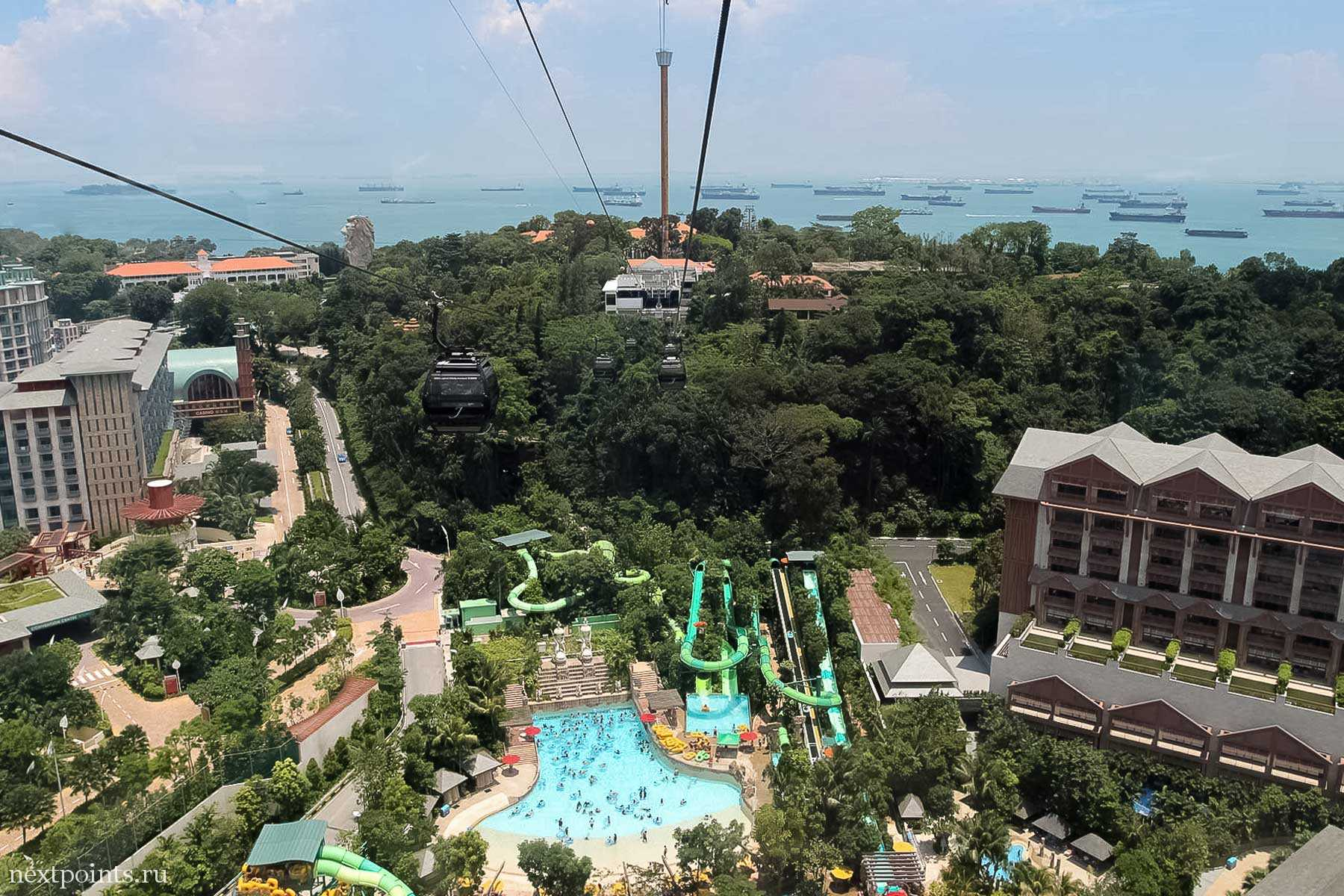 Сентоза (Sentosa) в Сингапуре (Singapore) - вид из кабинки фуникулера