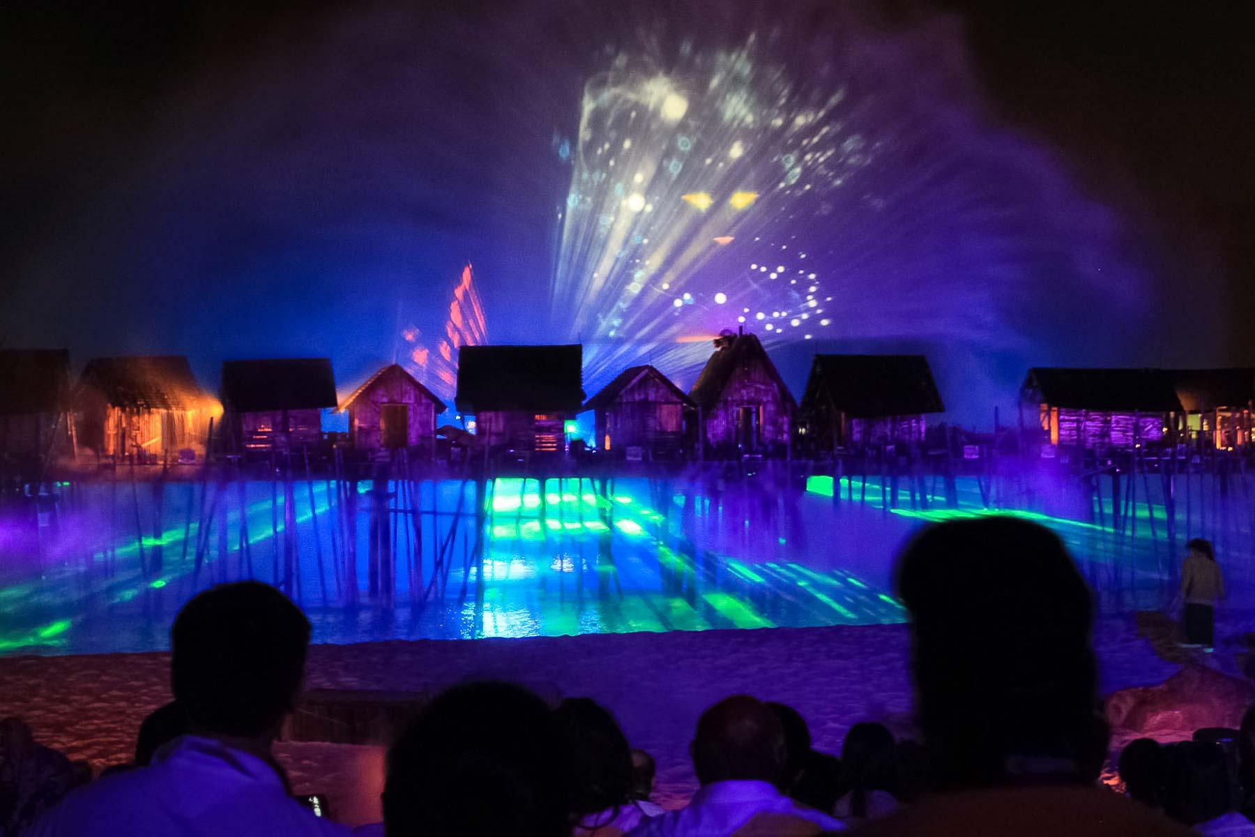 Инсталляция на лазерном шоу на Сентозе