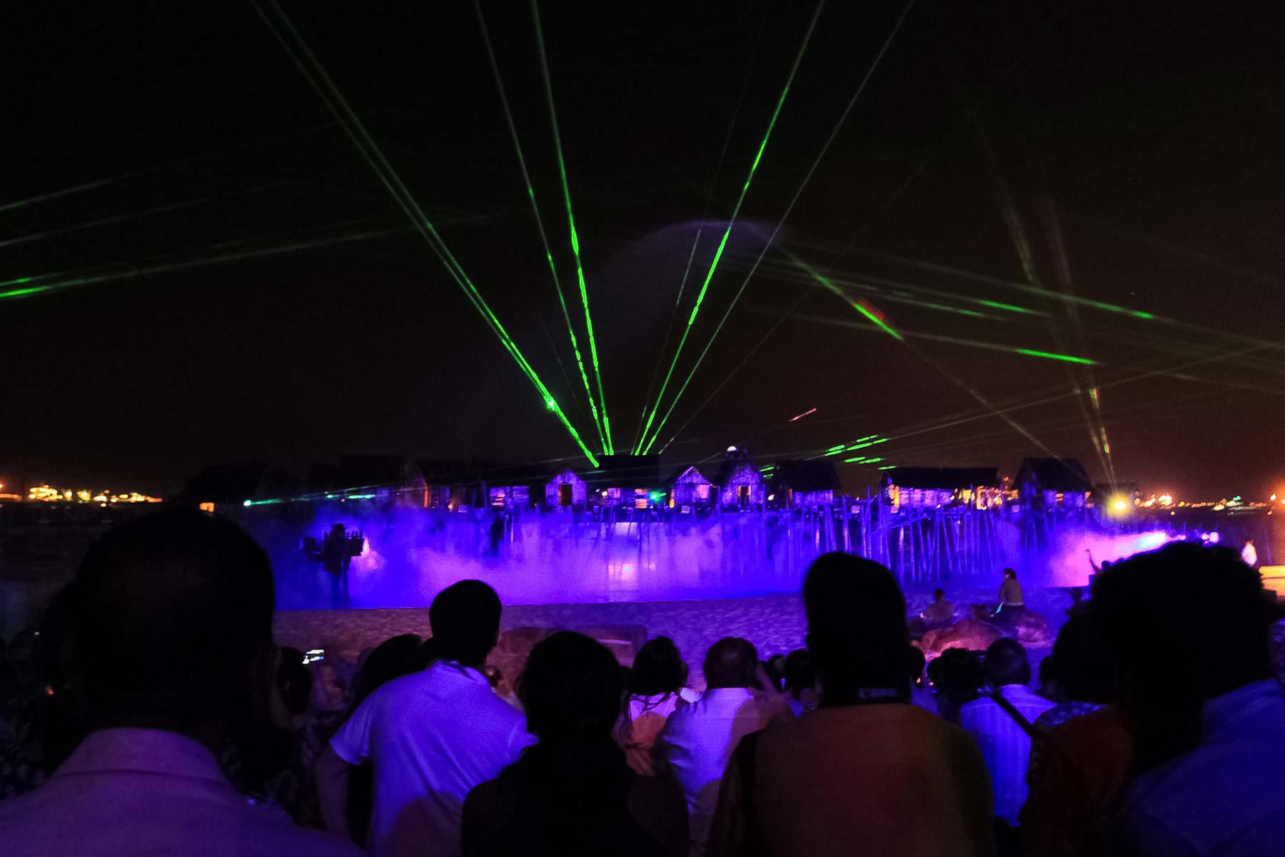 Лазер на шоу в парке развлечений Сентоза