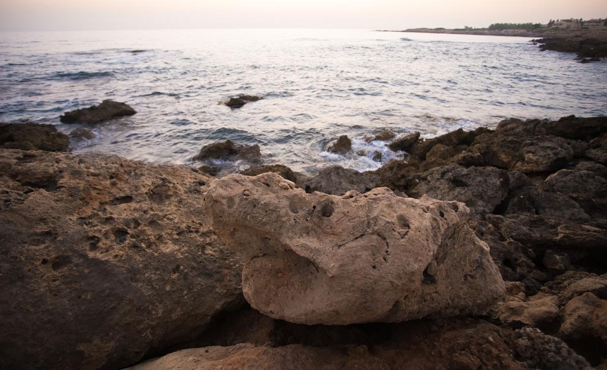 Грустный камень