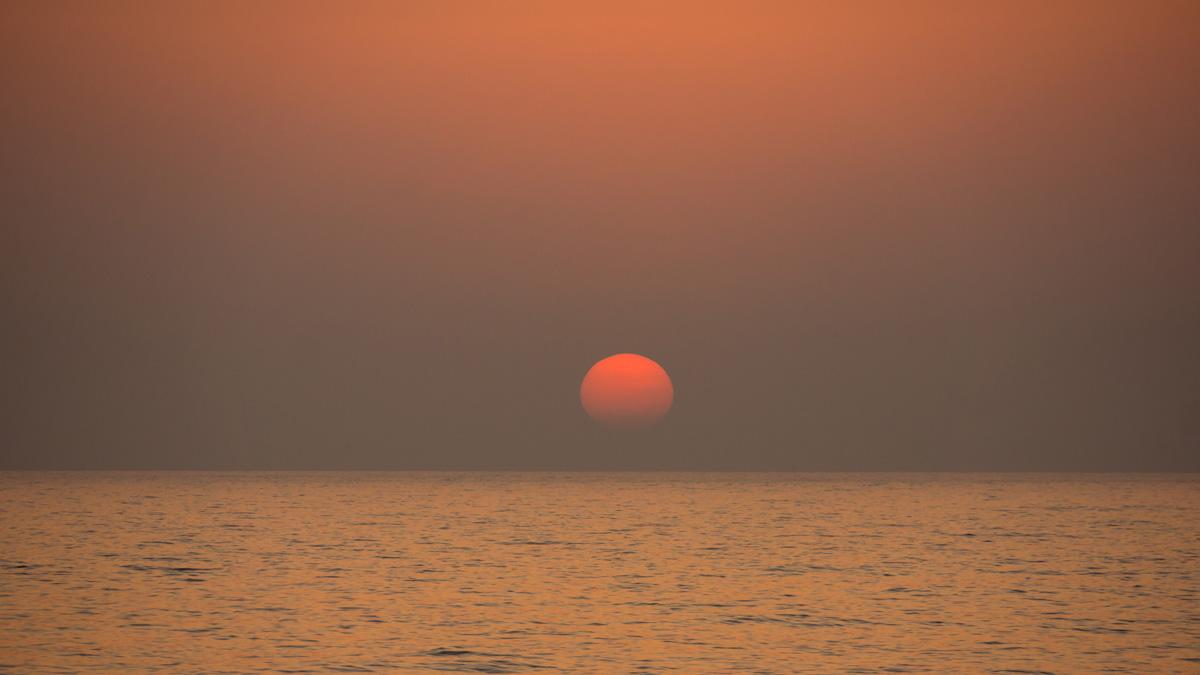 Солнце исчезает