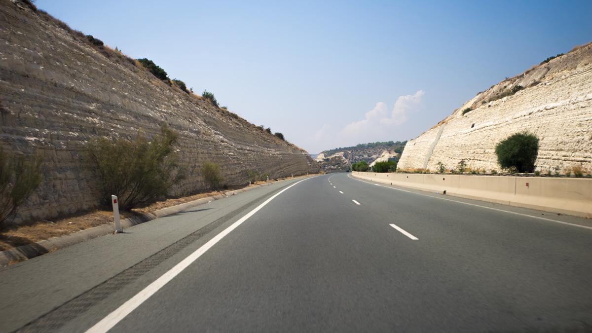 Дорога из Лимассола к камню Афродиты на Кипре