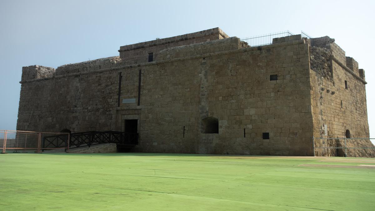 Замок Medieval Fort в городе Пафос на Кипре