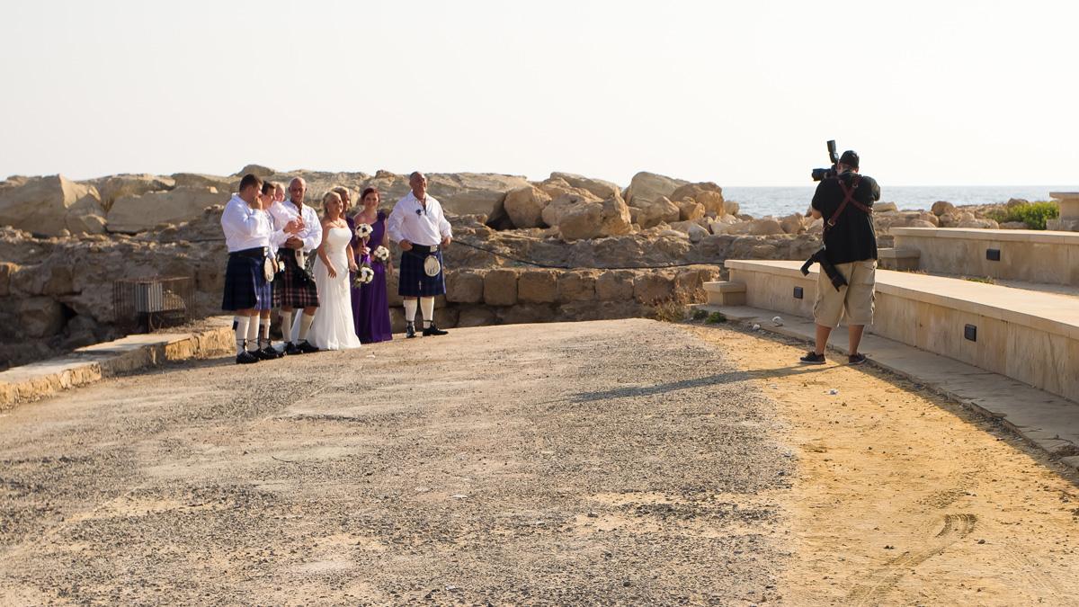 Наблюдаем за шотландской свадьбой с национальной музыкой