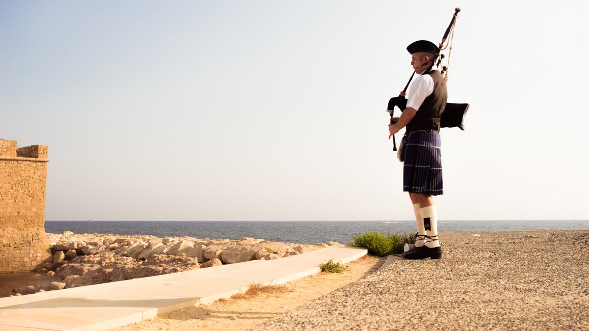 Шотландская свадьба в городе Пафос на Кипре