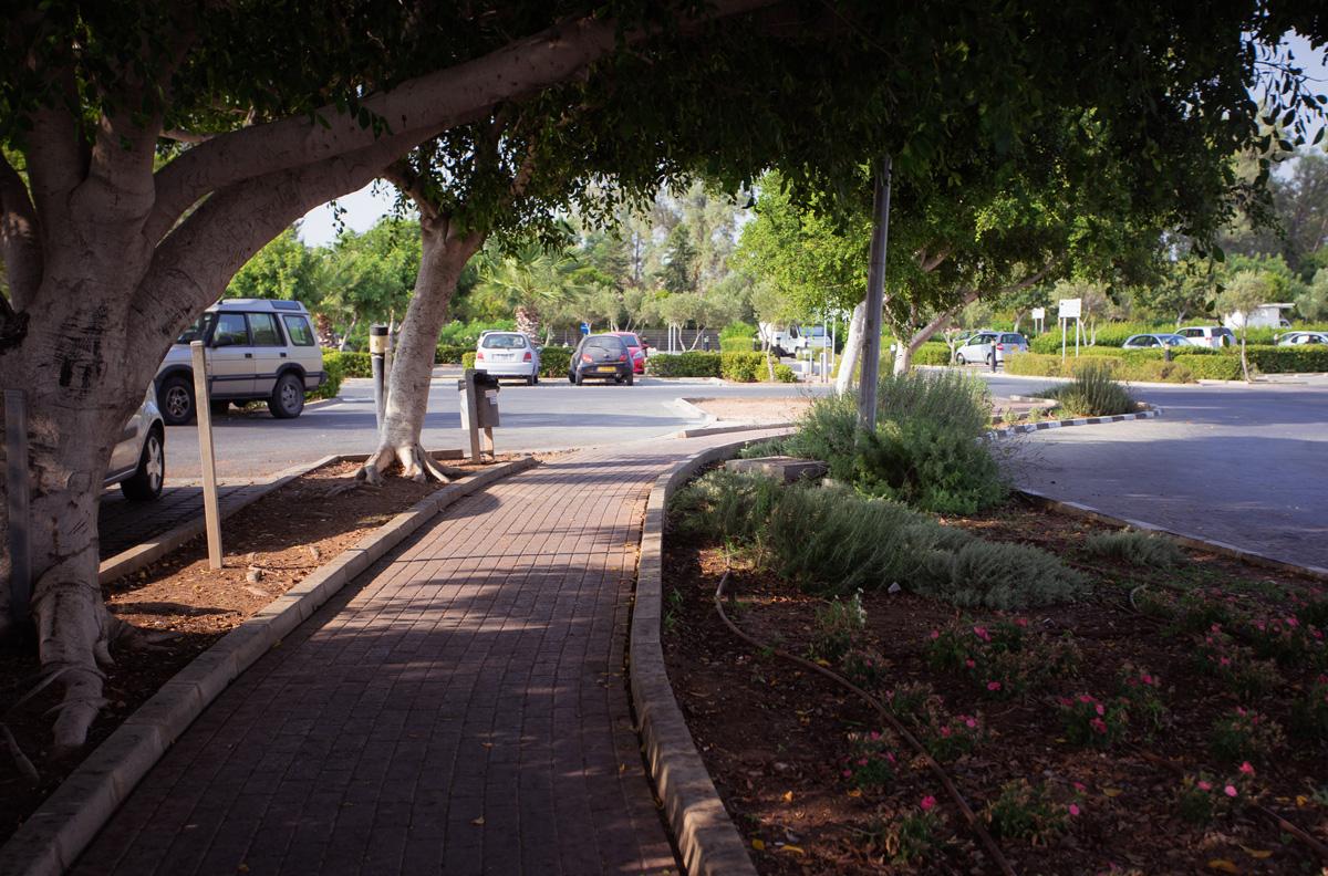 Парковка около набережной Пафоса