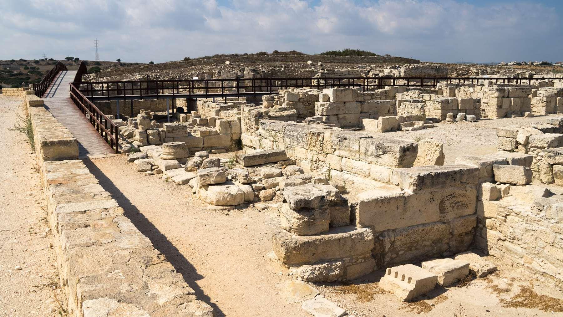 Руины рыночного комплекса - Агоры в Курионе
