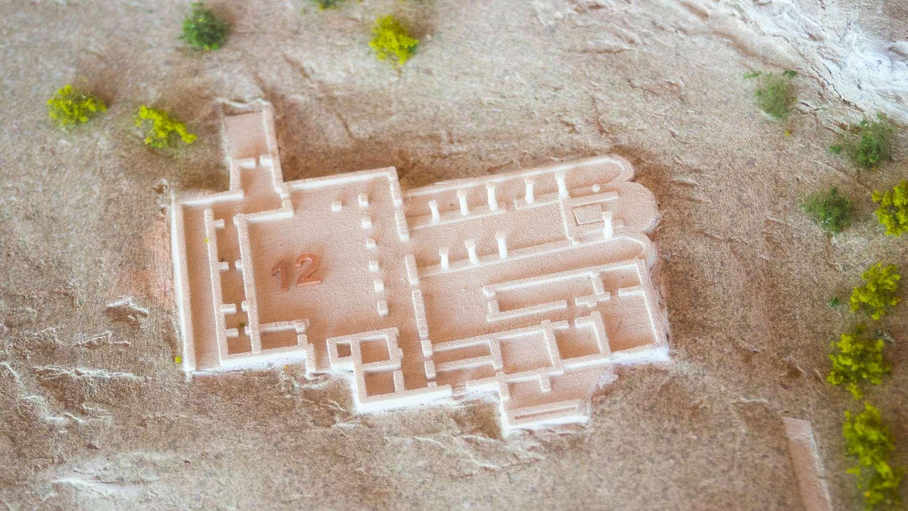 Одна из руин Куриона и ее номер