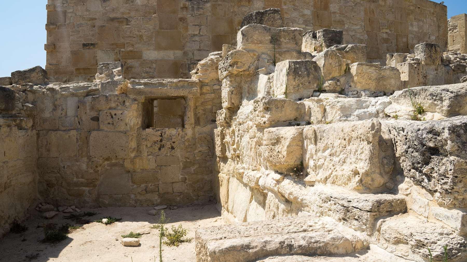 Руины древне-греческих строений в Курионе на Кипре