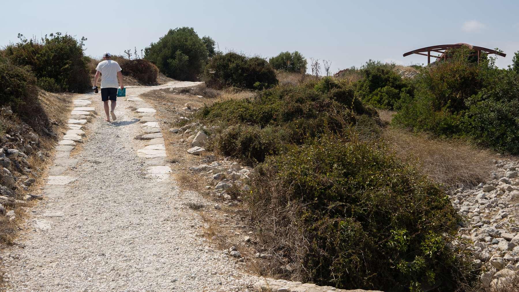 Дорога в Курионе на Кипре