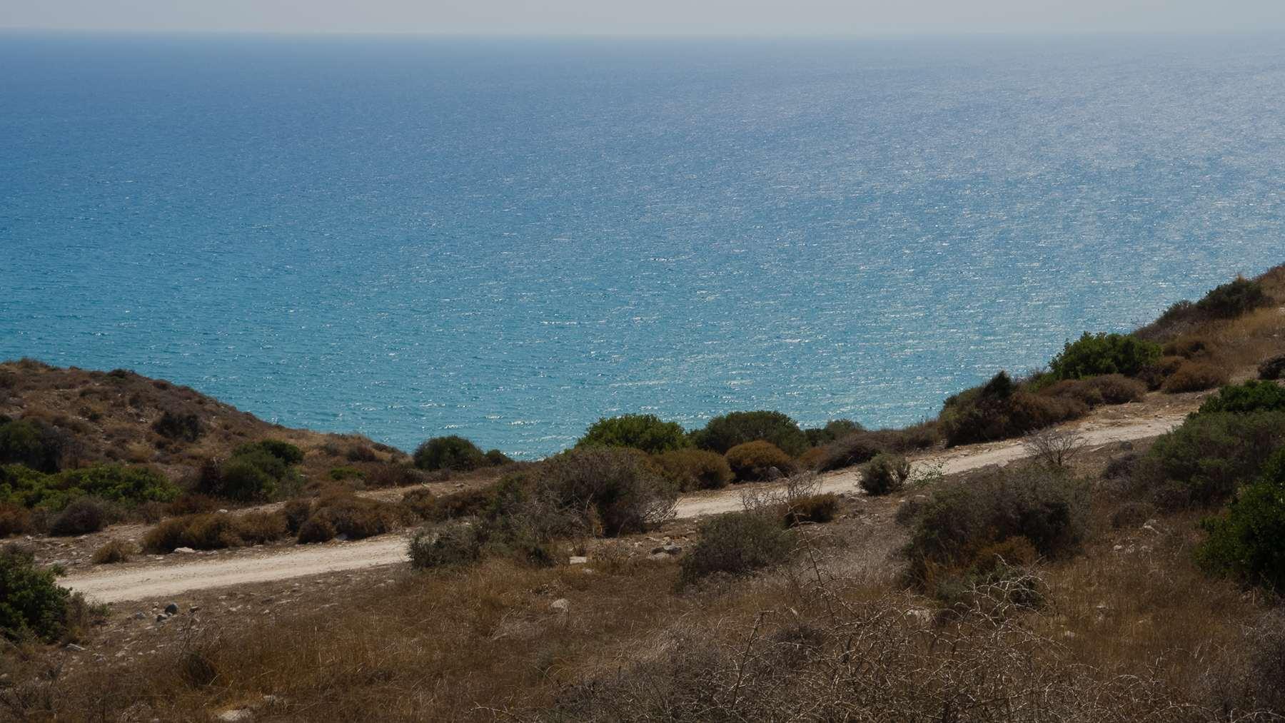 Синее море около Куриона