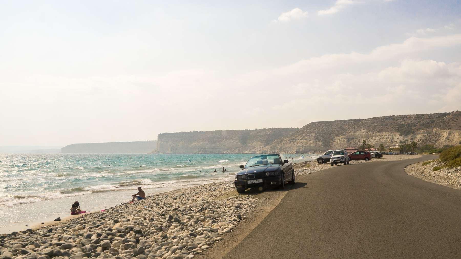 Дорога около пляжа Куриеон (Coureon beach)
