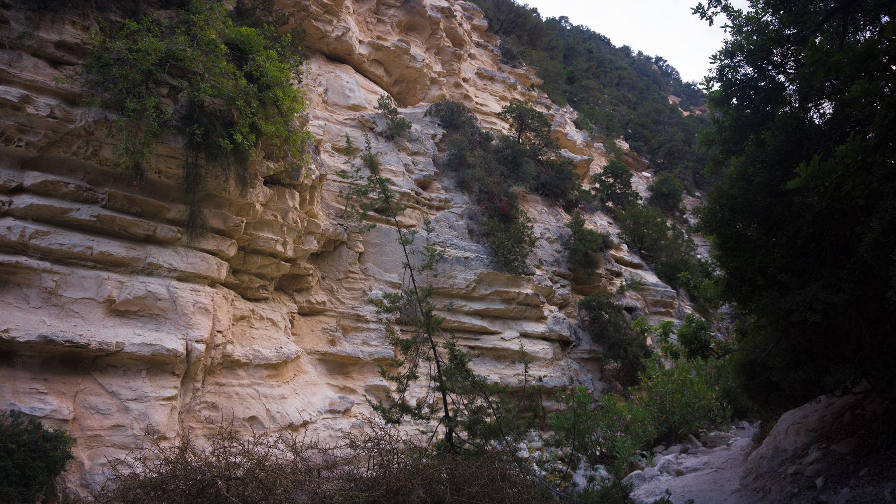 Изрезанные скалы Авакаса