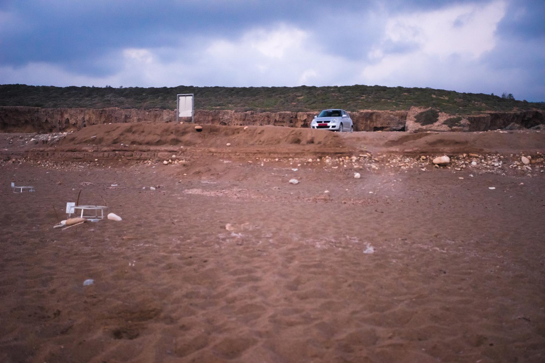 Парковка на пляже Лара запрещена!