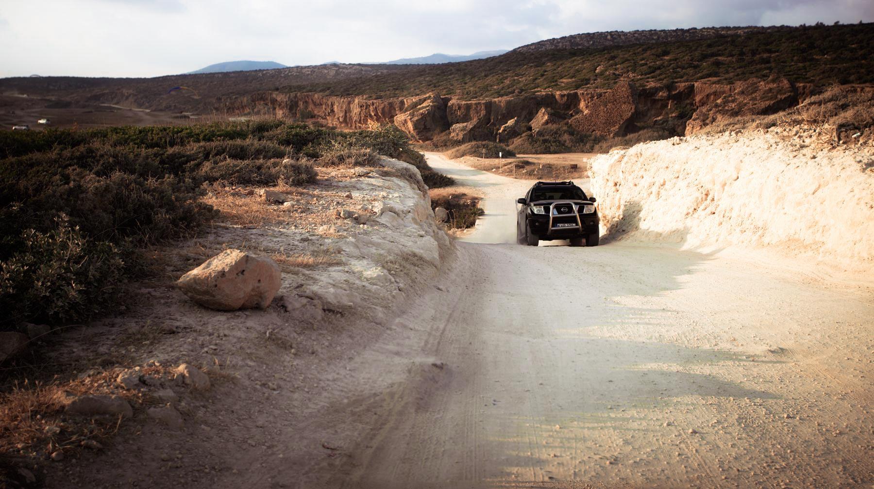 Спуск к повороту к каньону Авакас и пляжу