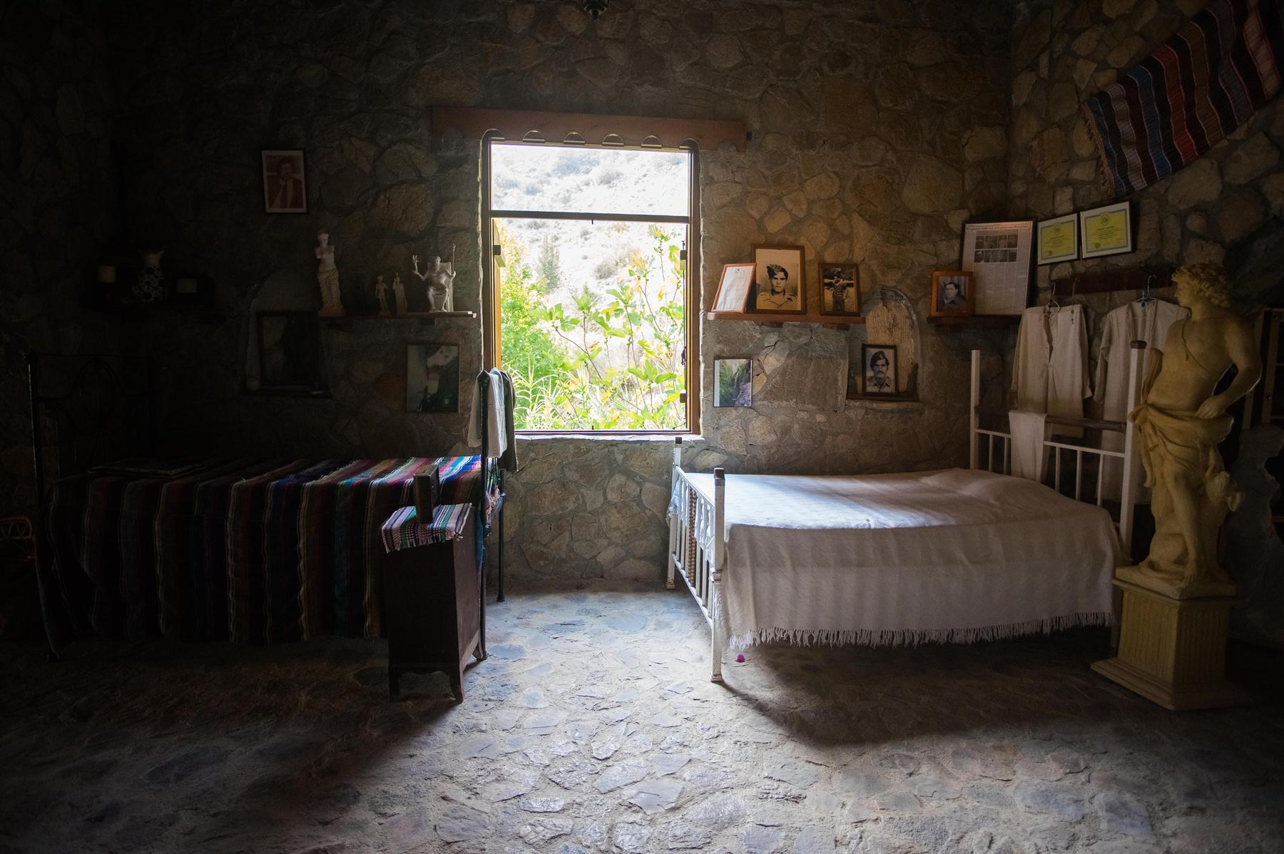 Две кровати в музее купален Адониса