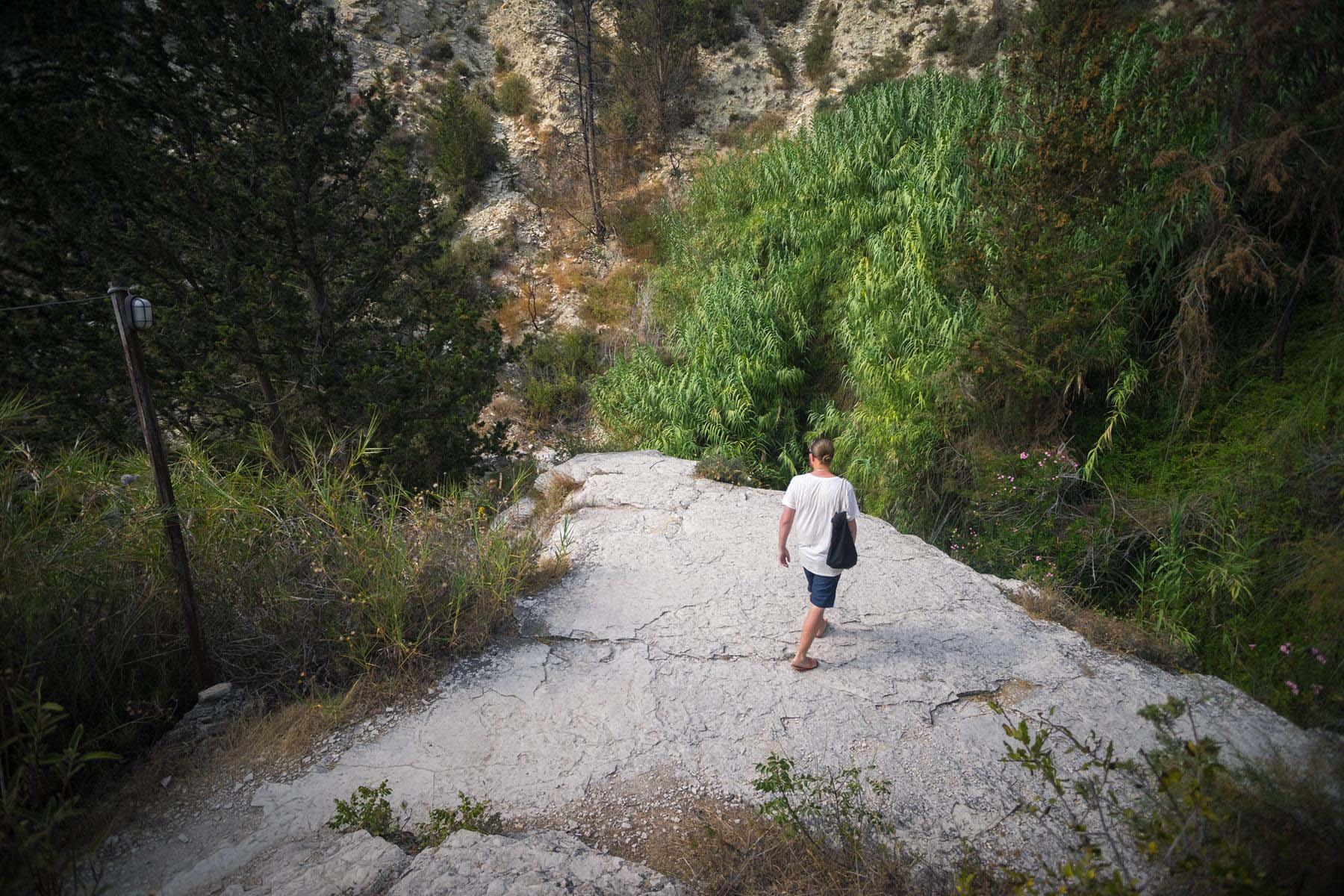 Идем к источнику водопада Адониса