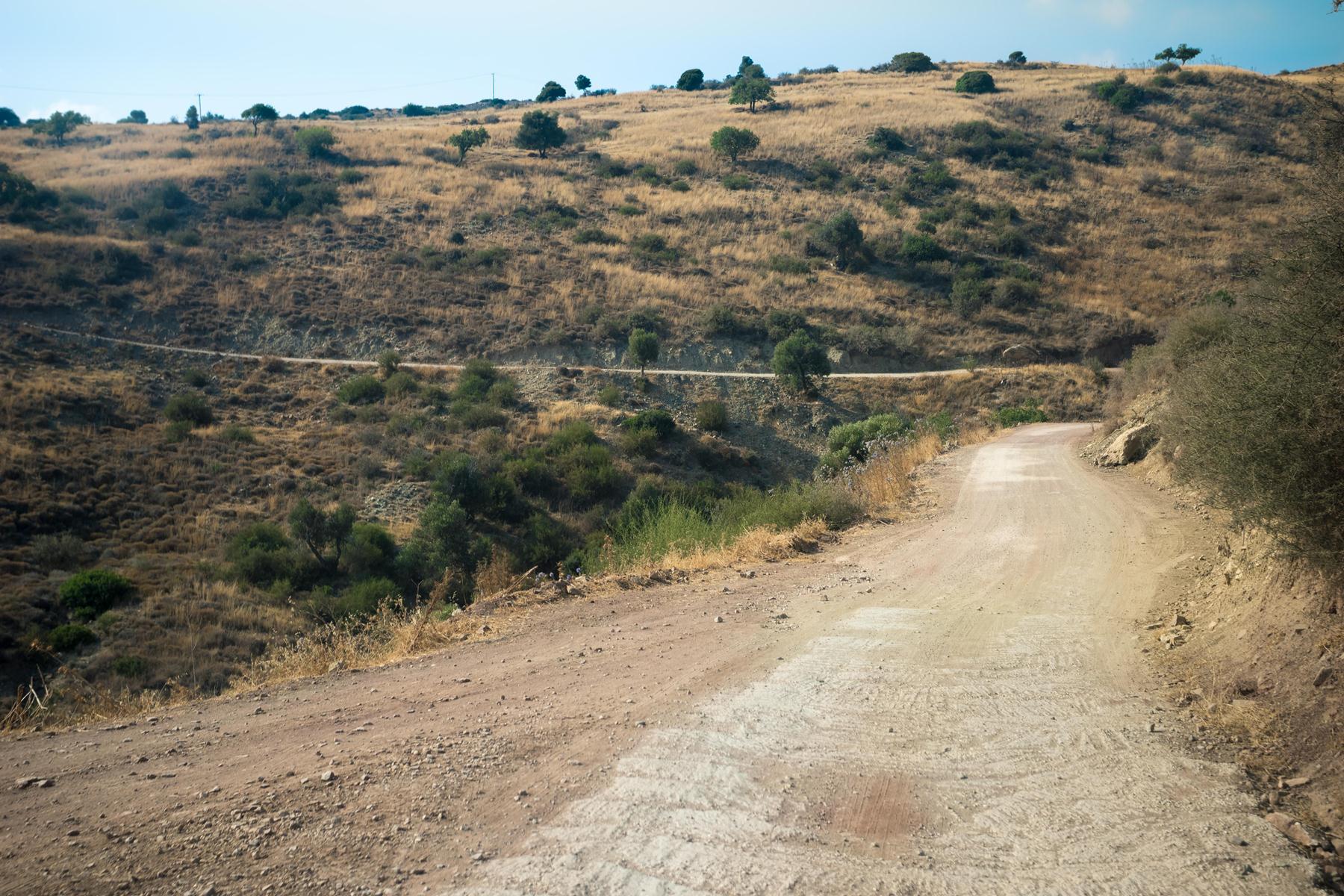 Дорога от купален Адониса к западному берегу Кипра