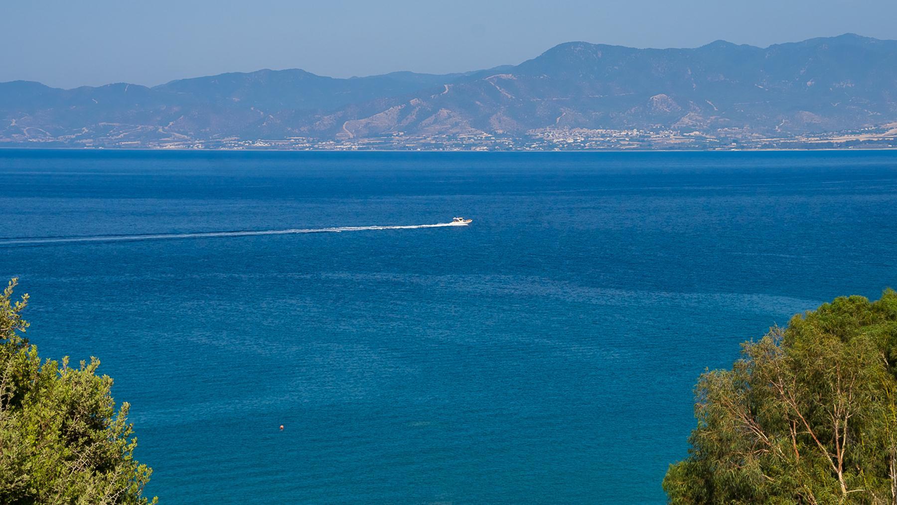 Шикарный вид на западную часть Кипра