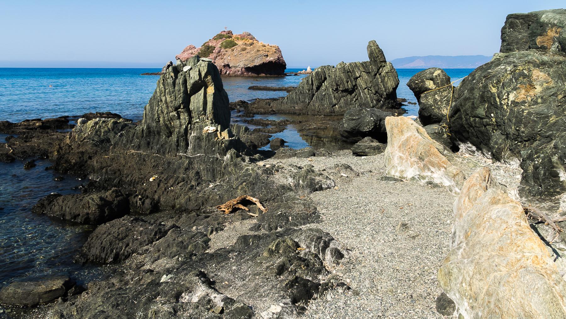 Каменный берег Акамаса