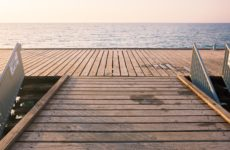 Романтичное место для плавания около Полиса