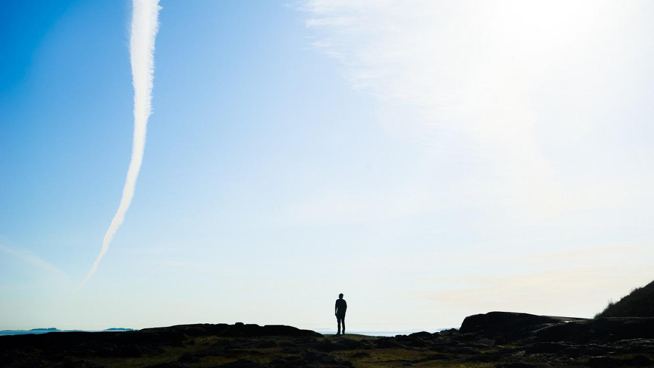Замечательный небесный вид на Пикку-Мустасаари