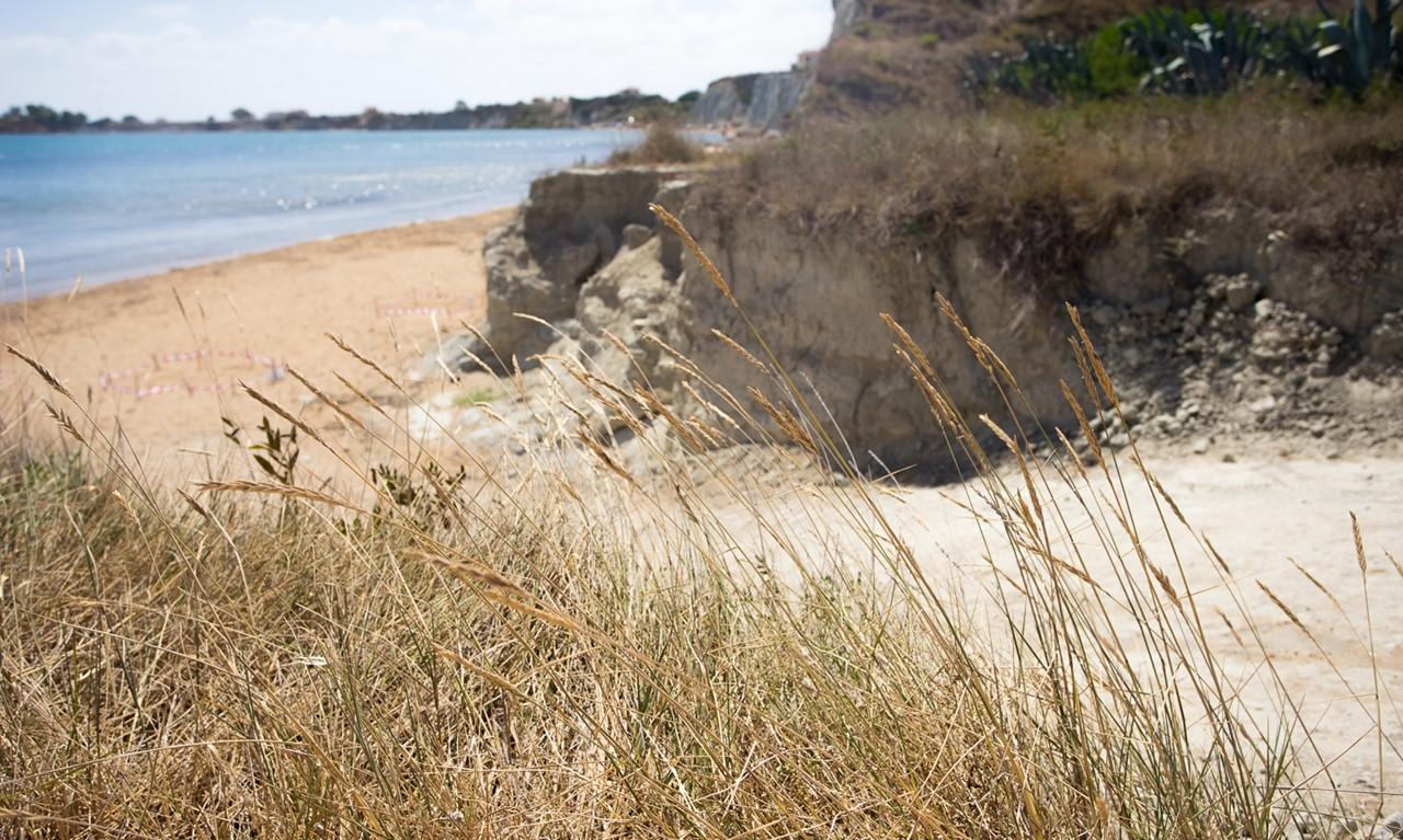 Спуск к пляжу Кунопетра (Kounopetra)