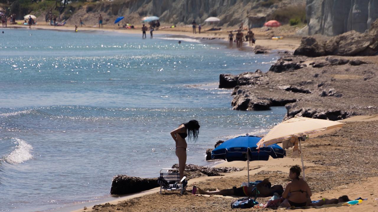 Отдыхающие на пляже Кунопетра (Kounopetra)