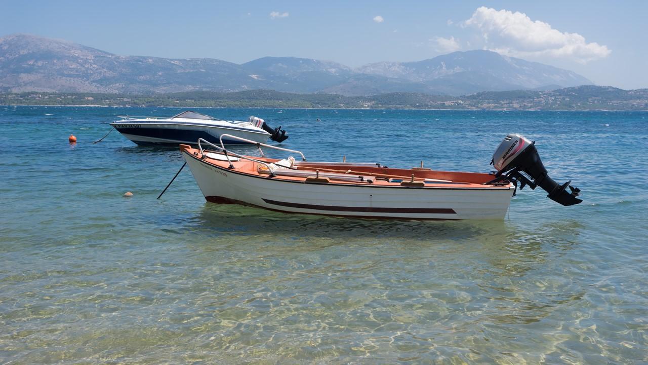 Лодки на пляже Лепеда (Lepeda)