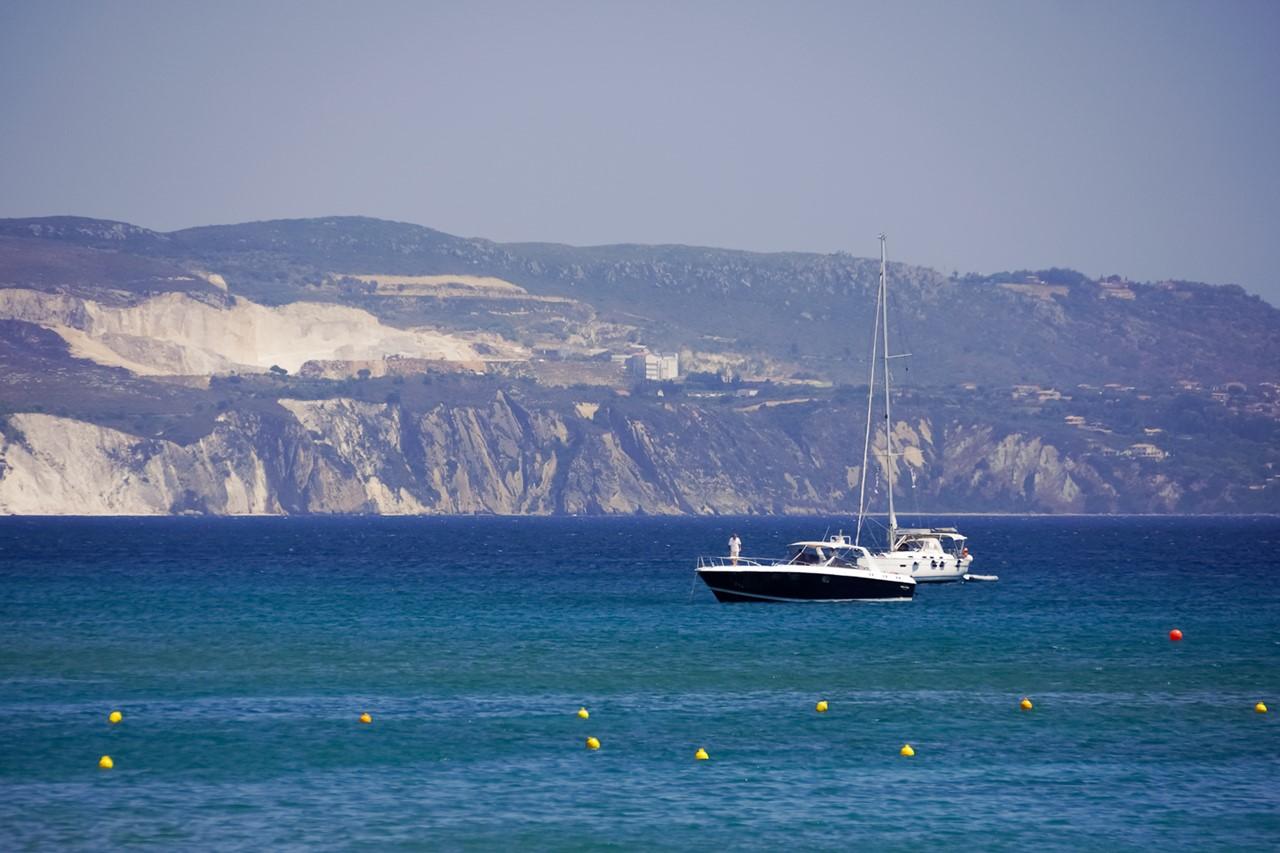Море с яхтами на Кефалонии