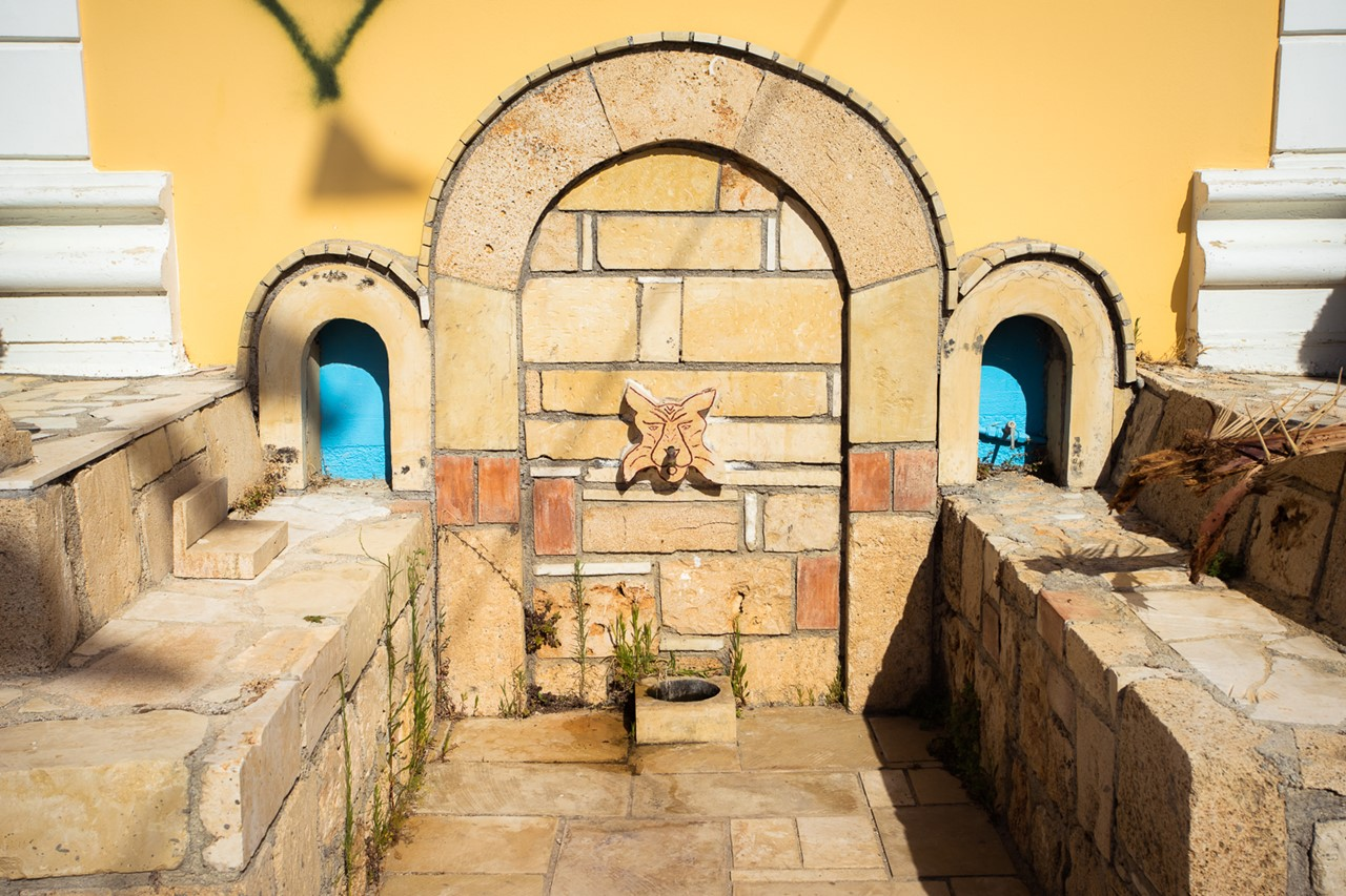 Святая вода в колокольне церкви Богородицы в Хавриата (Chavriata)