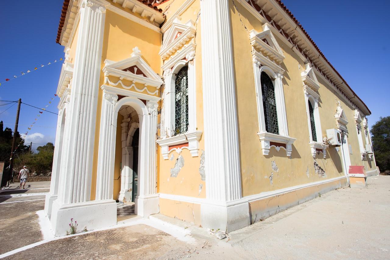 Церковь Богородицы в Хавриата (Chavriata) после землетрясения