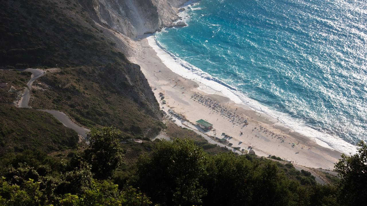Пляж Миртос (Myrtos) сверху