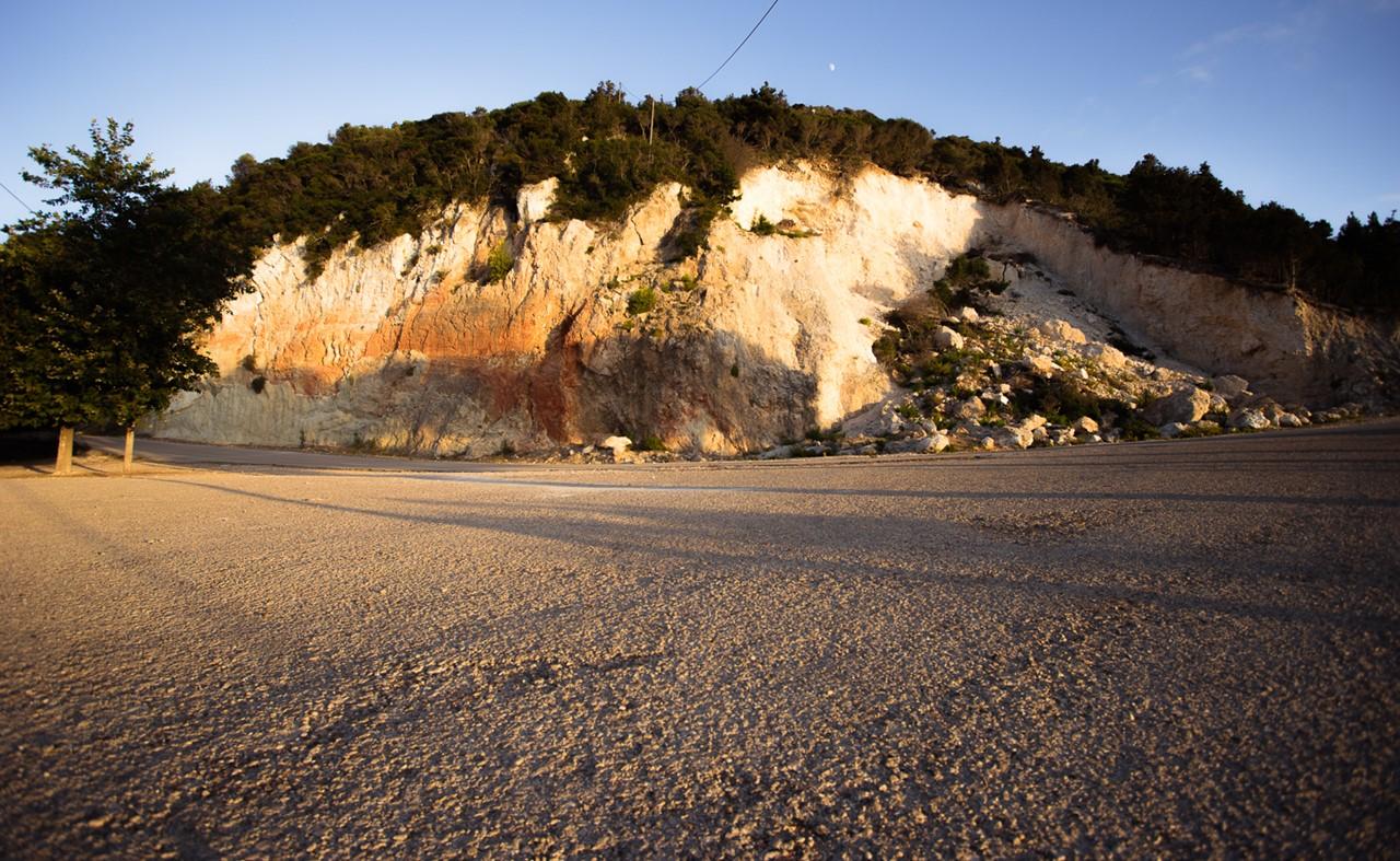 Поворот к монастырю Кипуреон и стоянка для обзорной площадки