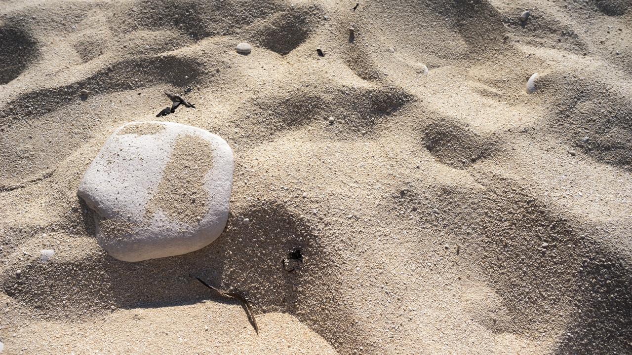 Песочек на пляже Миртос (Myrtos)