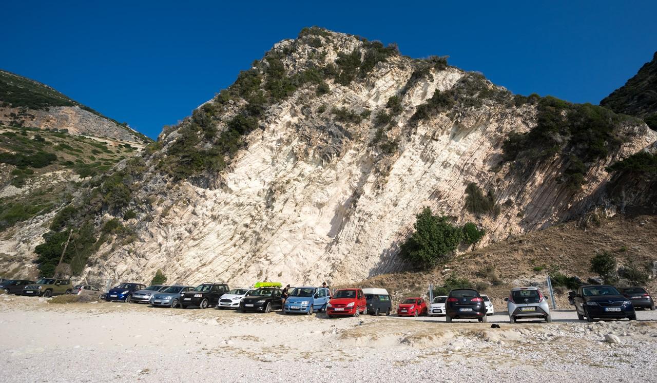 Парковка пляжа Миртос (Myrtos)