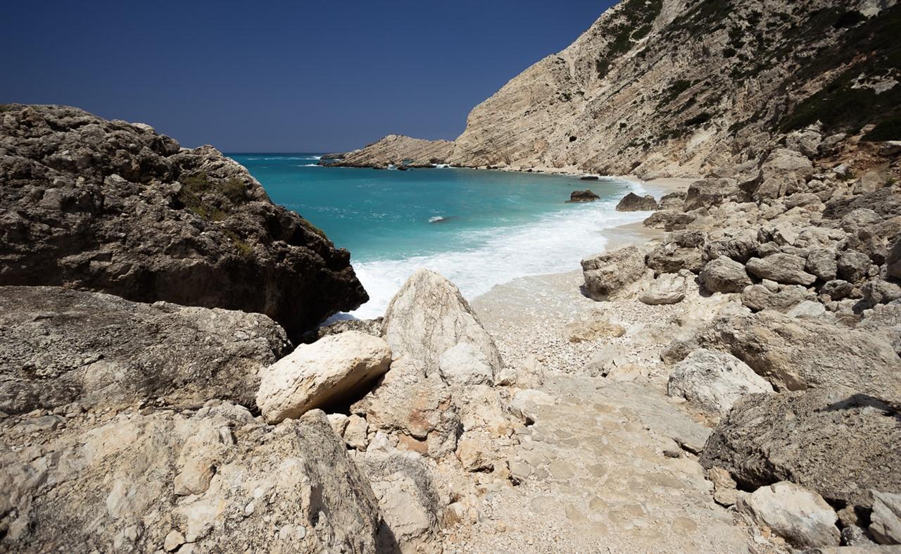 Мини-пляж на Петани (Petani)