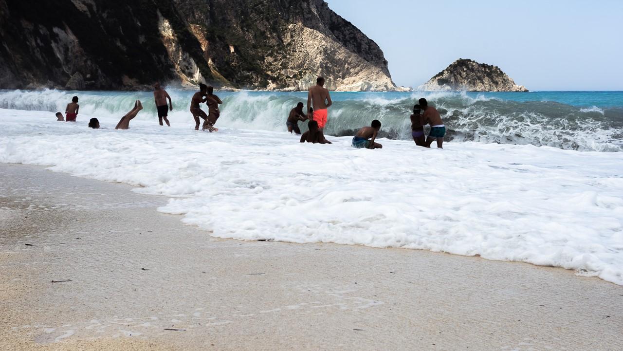 Веселье на берегу Петани (Petani)