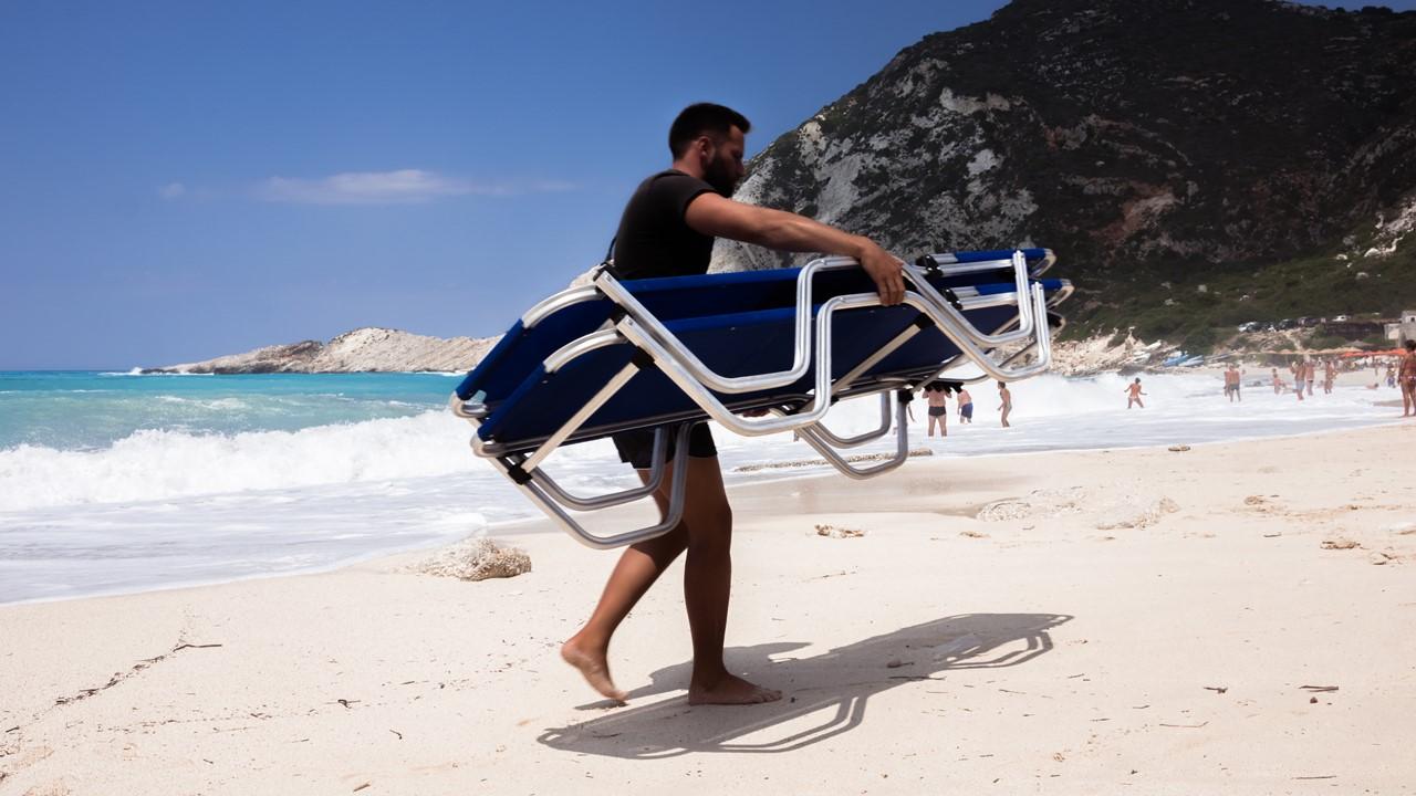 Спасатель на пляже Петани (Petani)