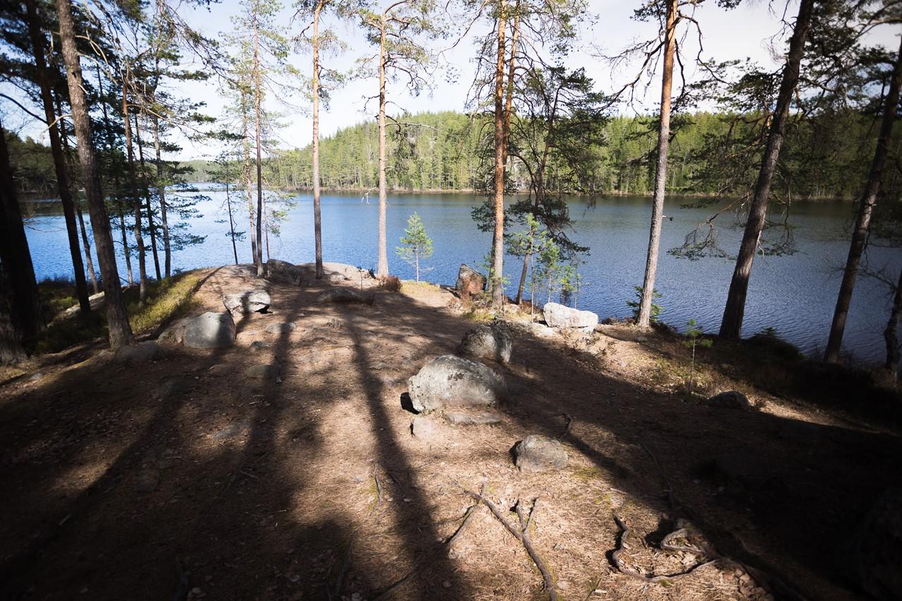 Спустились к озеру в Реповеси