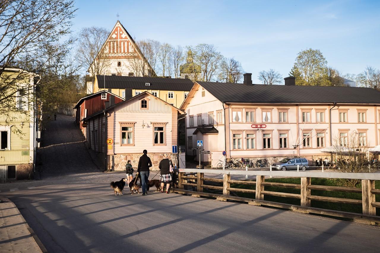 Мост через реку и Кафедральный собор
