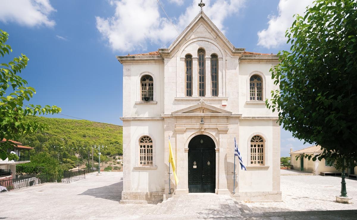 Церковь в поселке Кери