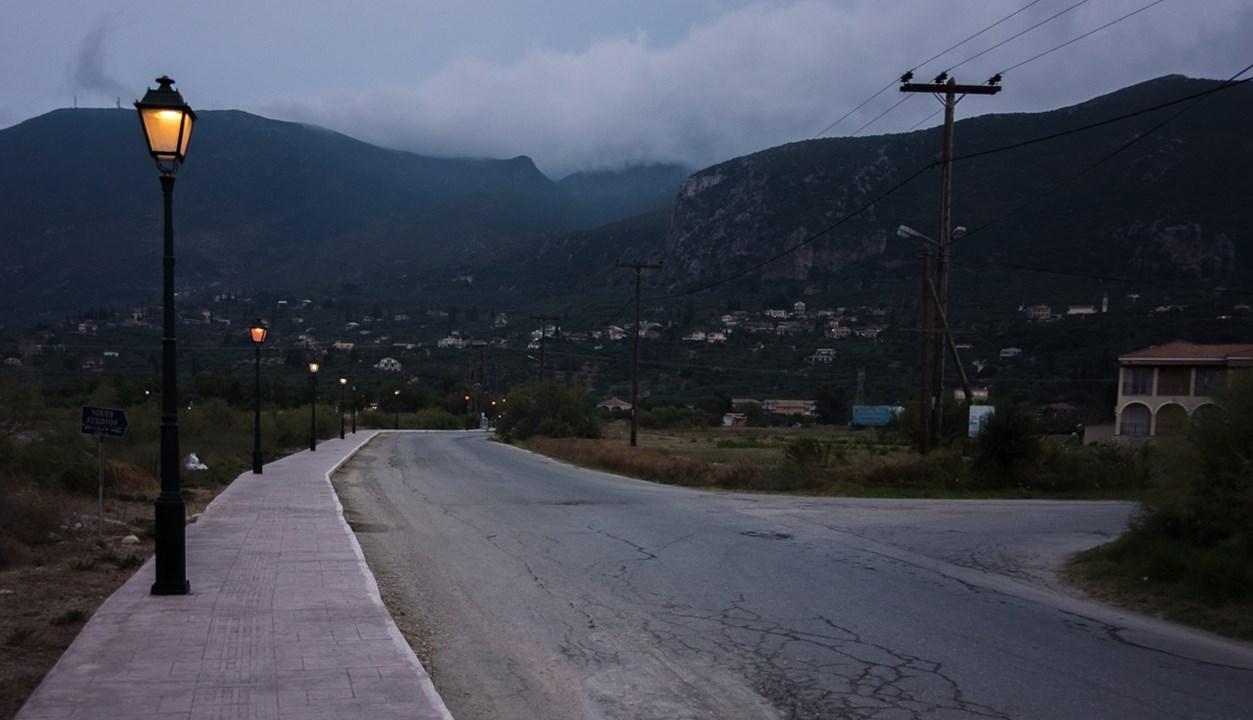 Аликес на Закинфе окружен горами